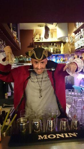 Baptiste au bar