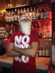 Baptiste déguisé en Père Noël